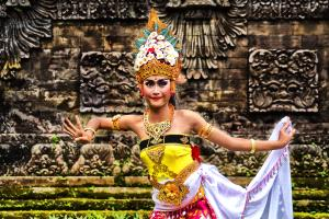 PhotoVivo Honor Mention - Lim Teck Boon (Singapore)  Legon Dancer One