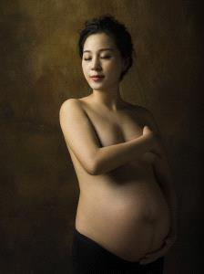 SIHIPC Merit Award - Xiangui Zheng (China) <br /> Pregnant Mother