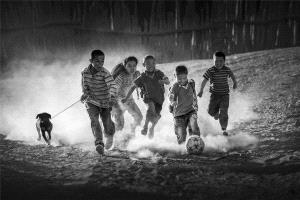PhotoVivo Honor Mention - Yan Yang (China) <br /> Football Dream